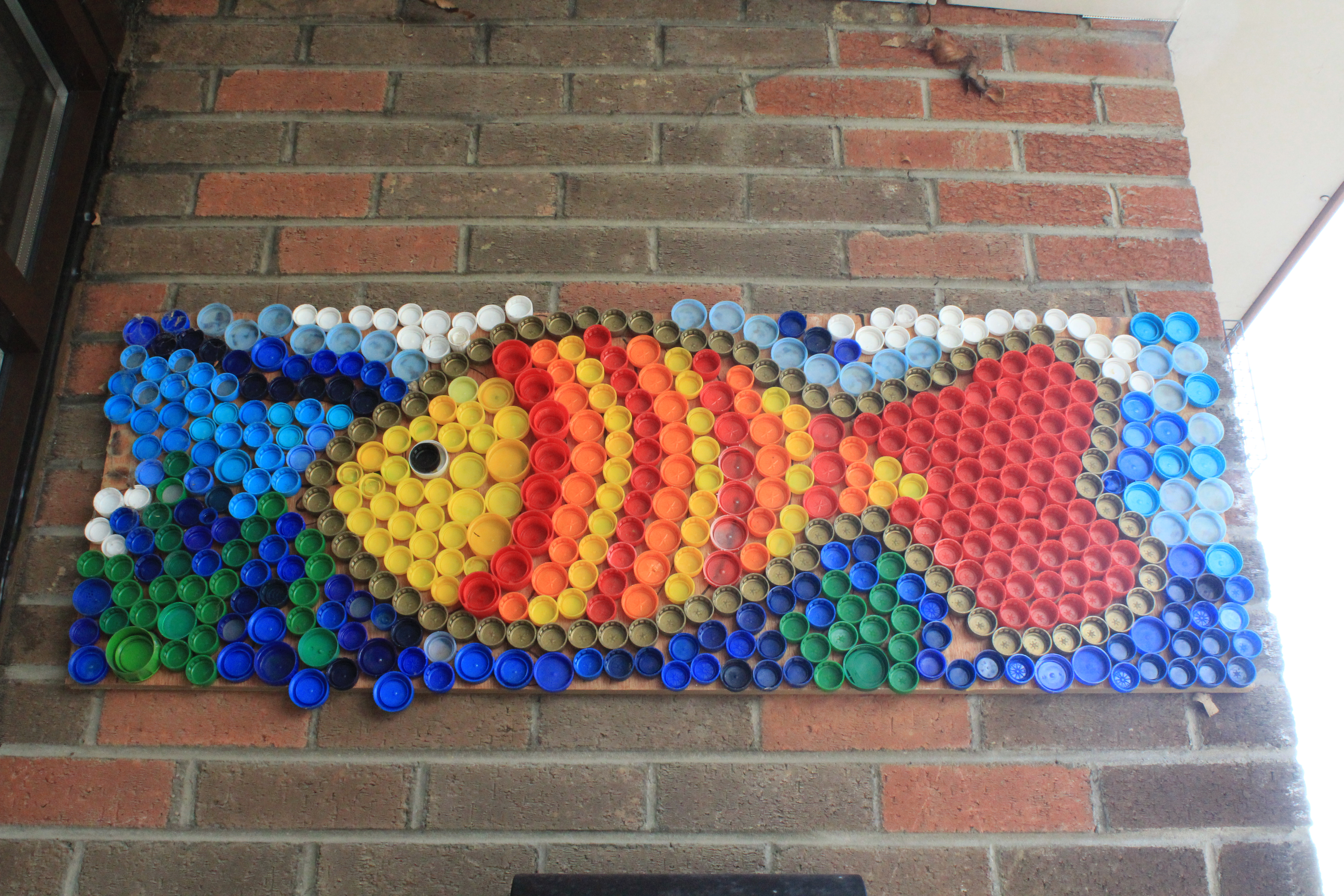 Bottle top fish